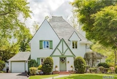 Great Neck NY Single Family Home For Sale: $1,298,000