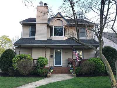 Oceanside Single Family Home For Sale: 414 Jackson St