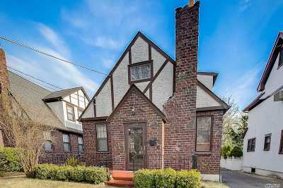 Malverne Single Family Home For Sale: 228 Rider Ave