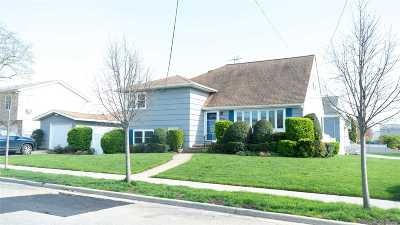 Seaford Single Family Home For Sale: 3842 Tiana St