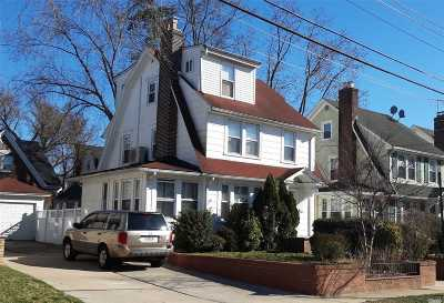 Little Neck Single Family Home For Sale: 251-32 43rd Ave