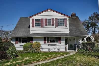 Nassau County Single Family Home For Sale: 2053 Stuyvesant Ave