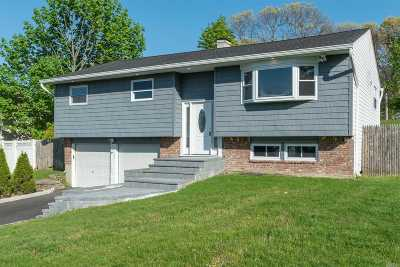 Smithtown Single Family Home For Sale: 21 Weston Ln