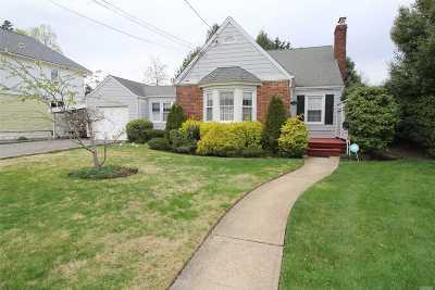 Oceanside Single Family Home For Sale: 2454 Columbus Ave