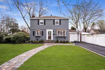 Wantagh Single Family Home For Sale: 2910 Cambridge Rd