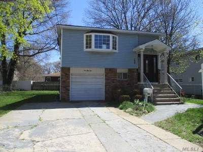 Roosevelt Single Family Home For Sale: 154 Manhattan Ave