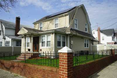 Single Family Home For Sale: 116-19 194th St