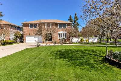 Wantagh Single Family Home For Sale: 3397 Bunker Ave
