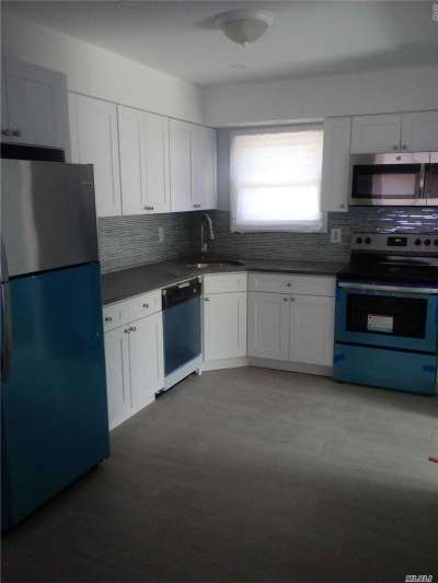 Mastic Beach Single Family Home For Sale: 518 Riviera Dr