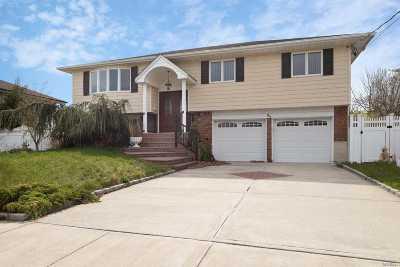 Massapequa Single Family Home For Sale: 94 S Bay Ave