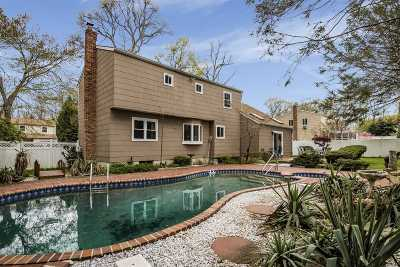 Dix Hills Single Family Home For Sale: 6 Nason Pl