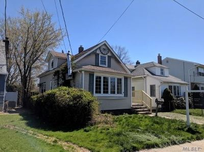 East Meadow Single Family Home For Sale: 1750 Dannet Pl