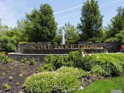 Lake Grove Condo/Townhouse For Sale: 101 Symphony Dr