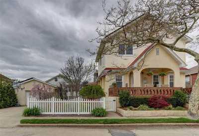 Long Beach NY Single Family Home For Sale: $699,999