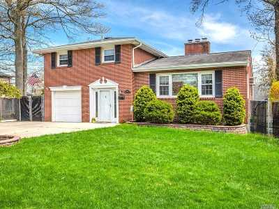 West Islip Single Family Home For Sale: 428 Myrtle Ave