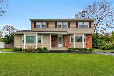 Farmingville Single Family Home For Sale: 54 Morris Ave
