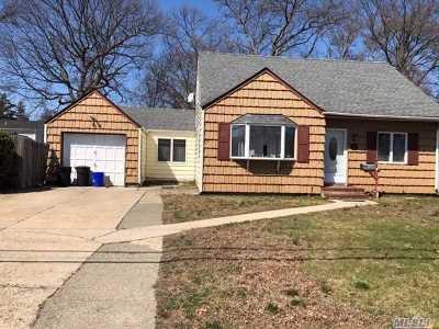 Babylon Single Family Home For Sale: 119 Foster Blvd