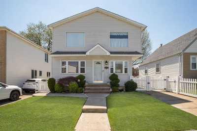 Whitestone Single Family Home For Sale: 169-12 21 Rd