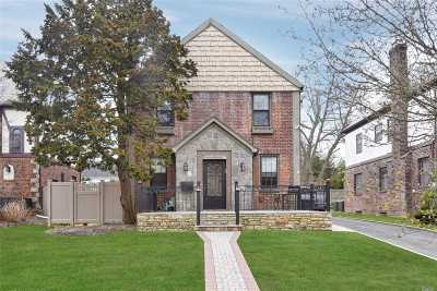 Hewlett NY Single Family Home For Sale: $749,000