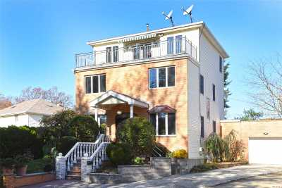 Little Neck Single Family Home For Sale: 259-03 62nd Ave