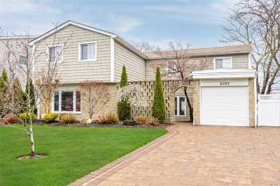 Bellmore Single Family Home For Sale: 3083 Timothy Rd