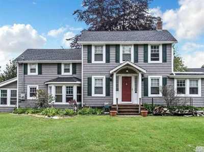 Lindenhurst Single Family Home For Sale: 45 Brook St