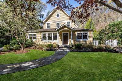 Centerport Single Family Home For Sale: 111 Little Neck Rd