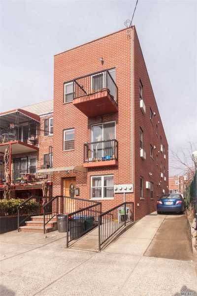 Astoria Multi Family Home For Sale: 3226 42nd St