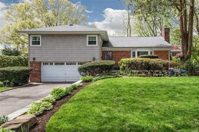 Port Washington Single Family Home For Sale: 3 Crestwood Rd