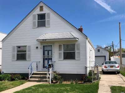 Floral Park Single Family Home For Sale: 76-47 263rd St