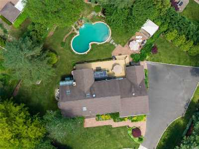 Woodbury Single Family Home For Sale: 8 Swenson Dr