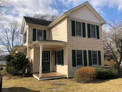 Mattituck Single Family Home For Sale: 185 Maiden Ln