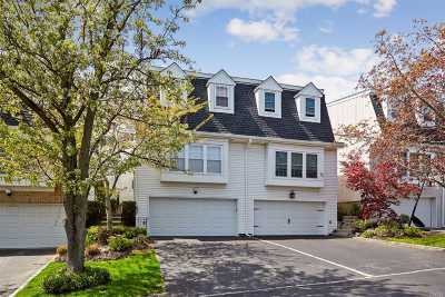 Syosset Condo/Townhouse For Sale: 83 Hidden Ridge Dr