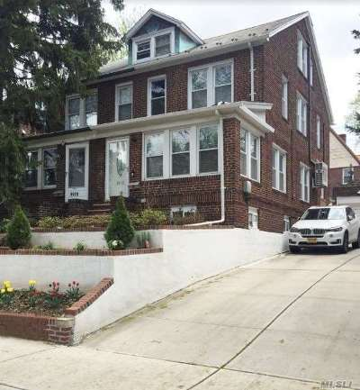 Forest Hills Single Family Home For Sale: 99-18 Ascan Ave