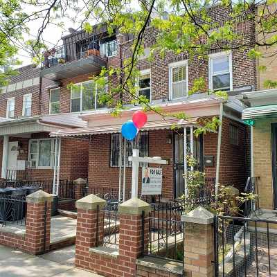 Astoria Multi Family Home For Sale: 2234 43