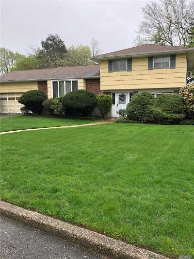 Commack Single Family Home For Sale: 55 Hedgerow Ln