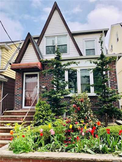Middle Village Single Family Home For Sale: 8310 63 Ave