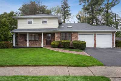 Woodbury Single Family Home For Sale: 2 Candor Dr