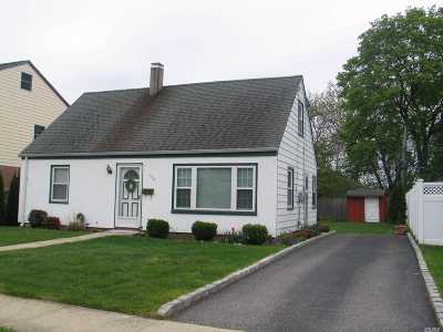N. Bellmore Single Family Home For Sale: 2494 Hull Ave