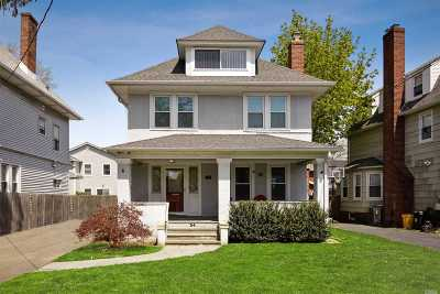 Woodmere Single Family Home For Sale: 34 Johnson Pl