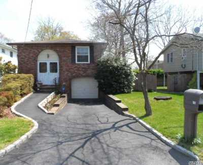 Ronkonkoma Single Family Home For Sale: 80 2nd St