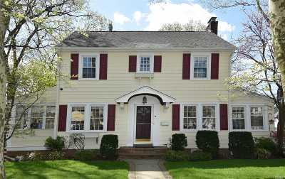 Floral Park Single Family Home For Sale: 70 W Elder Ave