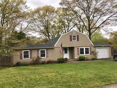 Farmingville Single Family Home For Sale: 1320 Waverly Ave