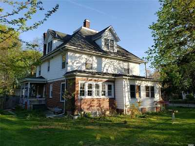 Oyster Bay Single Family Home For Sale: 102 Berry Hill Rd