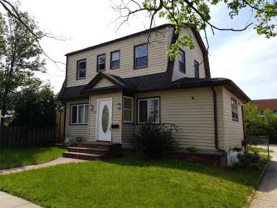 Baldwin Single Family Home For Sale: 760 Seaman Ave