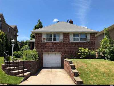 Bayside Single Family Home For Sale: 28-20 214th Pl