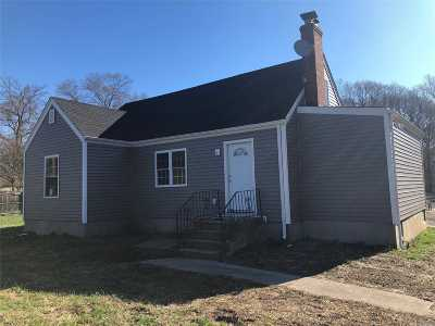 Farmingville Single Family Home For Sale: 3031 N Ocean Ave