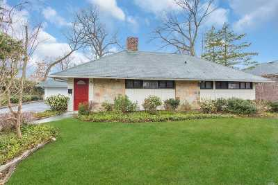 Manhasset Single Family Home For Sale: 143 Searingtown Rd