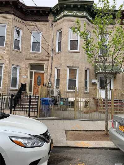 Brooklyn Multi Family Home For Sale: 460 Drew St