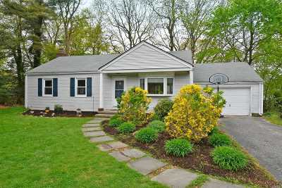 Stony Brook Single Family Home For Sale: 16 Acorn Ln